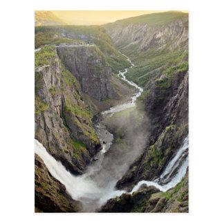 De waterval van Voringsfossen in het briefkaart