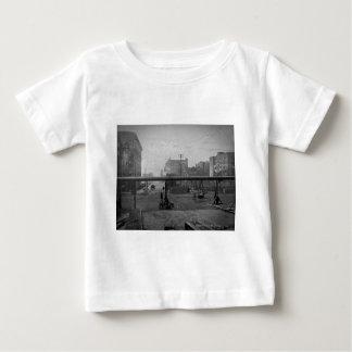 De Weg van de cipres en de 138ste Stad van New Baby T-shirt