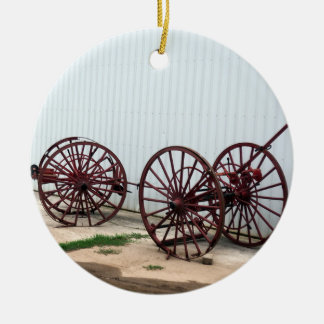 De Wielen van de wagen Rond Keramisch Ornament