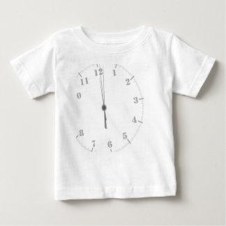 De Wijzerplaat van de middernacht Baby T Shirts