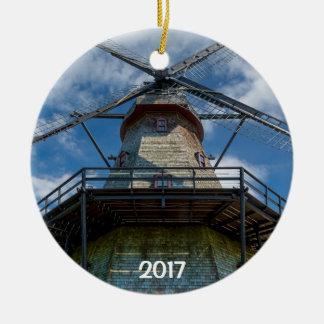 De Windmolen van Fabyan en Rivier 2 van de Vos Rond Keramisch Ornament