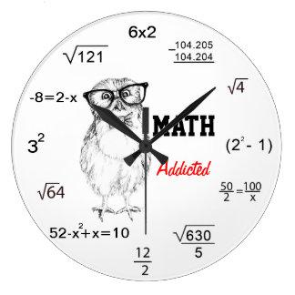 De wiskunde wijdden nerdy uil ronde klok large