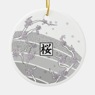 De witte Boom van de Bloesem van de Kers Rond Keramisch Ornament