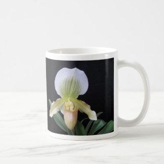 De witte Mok van de Orchidee van de Pantoffel