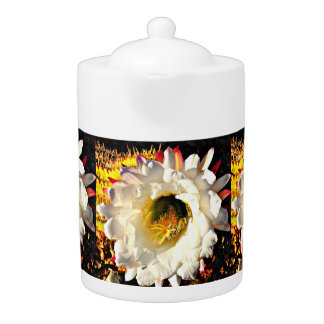 De witte Pot van de Thee van de Bloem van de