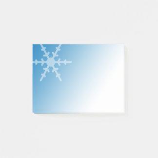 De witte Sneeuwvlok van de Winter op het Blauw van Post-it® Notes