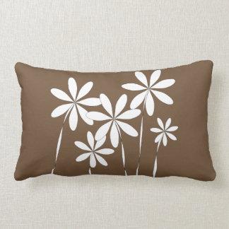 De Zaligheid van de bloem op Bruin Lumbar Kussen