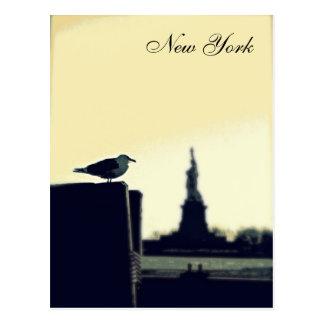 De zeemeeuw en het Standbeeld van Vrijheid Briefkaart