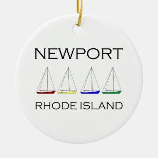De Zeilboten van Nieuwpoort Rhode Island Rond Keramisch Ornament
