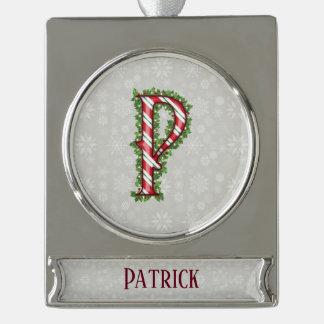 De zilveren Gestreepte Brief P van het Riet van Verzilverd Banner Ornament