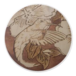 De Zoemende Vogel van de hibiscus Keramische Knop