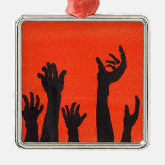 De zombie overhandigt Sinaasappel Zilverkleurig Vierkant Ornament