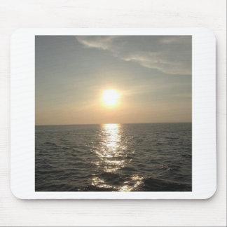 De zonsondergang bij Eiland Bantayan in de Muismat