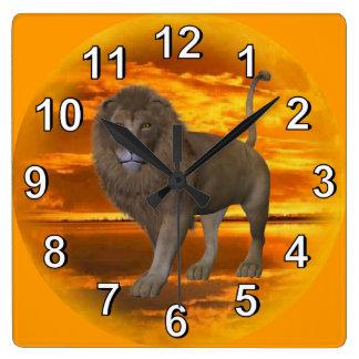 De Zonsondergang van de leeuw Vierkante Klok
