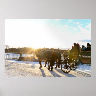 De zonsondergang van de winter poster