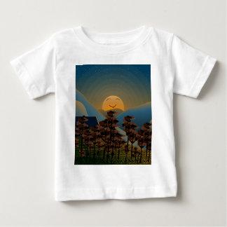 De zonsondergang van het landschap baby t shirts