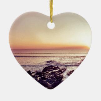 De Zonsondergang van het Strand van Fistral Keramisch Hart Ornament