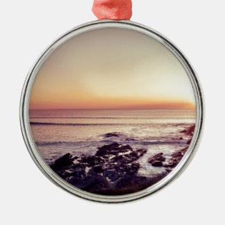 De Zonsondergang van het Strand van Fistral Zilverkleurig Rond Ornament