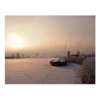 De zonsopgang van de winter in het briefkaart van