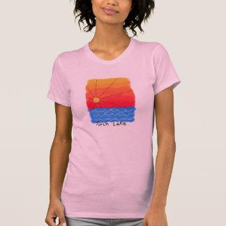 De Zonsopgang van het Meer van de toorts T Shirt
