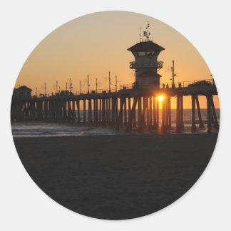 De Zonsopgang van het Strand van Huntington bij Ronde Sticker