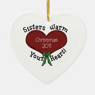 De zusters verwarmen Uw Kerstmis 2011 van het Hart Keramisch Hart Ornament