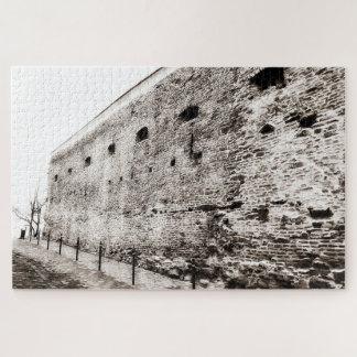De zwart-wit Middeleeuwse Bakstenen muur van de Puzzel