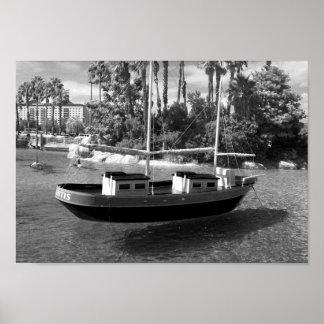 De zwart-witte Foto van de Boot Poster