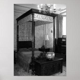 de zwart witte vintage foto van de slaapkamer poster