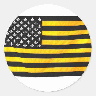 De Zwarte en Gouden Amerikaanse de V.S. Vlag van Ronde Sticker
