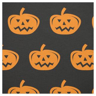 De zwarte stof van Halloween met gesneden oranje