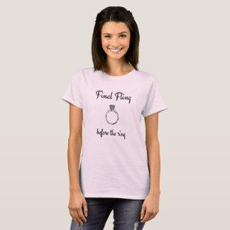 Def. gooit vóór de Ring, de T-shirt van de Partij