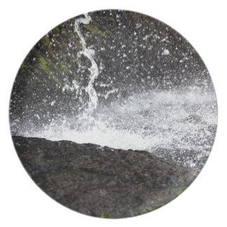 Detail van een kleine waterval melamine+bord