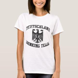 Deutschland die de T-shirt van het Team drink