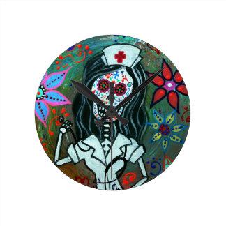 Dia DE los Muertos Nurse RN het schilderen Ronde Klok