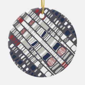 Diagonaal lagenrood rond keramisch ornament