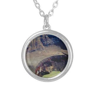 diepe vulkanische krater zilver vergulden ketting