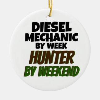 Diesel Werktuigkundige door de Jager van de Week Rond Keramisch Ornament
