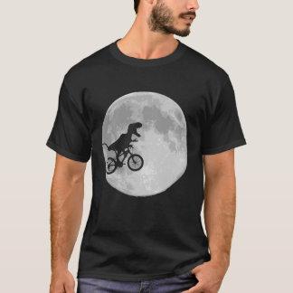 Dinosaurus op een Fiets in Hemel met Maan T Shirt