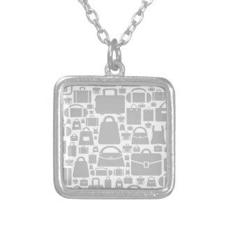 Doe een achtergrond in zakken zilver vergulden ketting