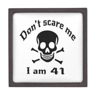 Doe schrikken me niet ik ben 41 premium cadeau doosje