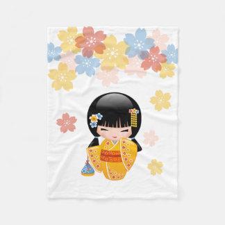 Doll van Kokeshi van de zomer - het Gele Meisje Fleece Deken