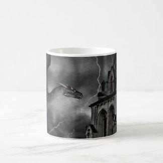 Donkere gotische stormachtige nachtmok koffiemok