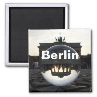 Door de kristallen bol, de Poort van Brandenburg Magneet