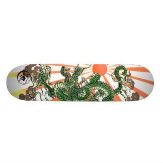 Draak en het Toenemen Zon Skateboard Deck