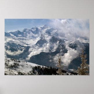 Dramatisch uitzicht van Mont Blanc Poster