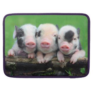 Drie kleine varkens - leuk varken - drie varkens MacBook pro beschermhoes