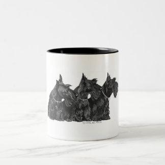 Drie Nieuwsgierige Schotse Terriers Tweekleurige Koffiemok