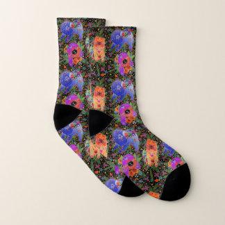 DRIE VOEREN BINDI - zwarte sokken als achtergrond