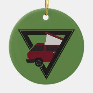 driehoeks kastanjebruine bus rond keramisch ornament